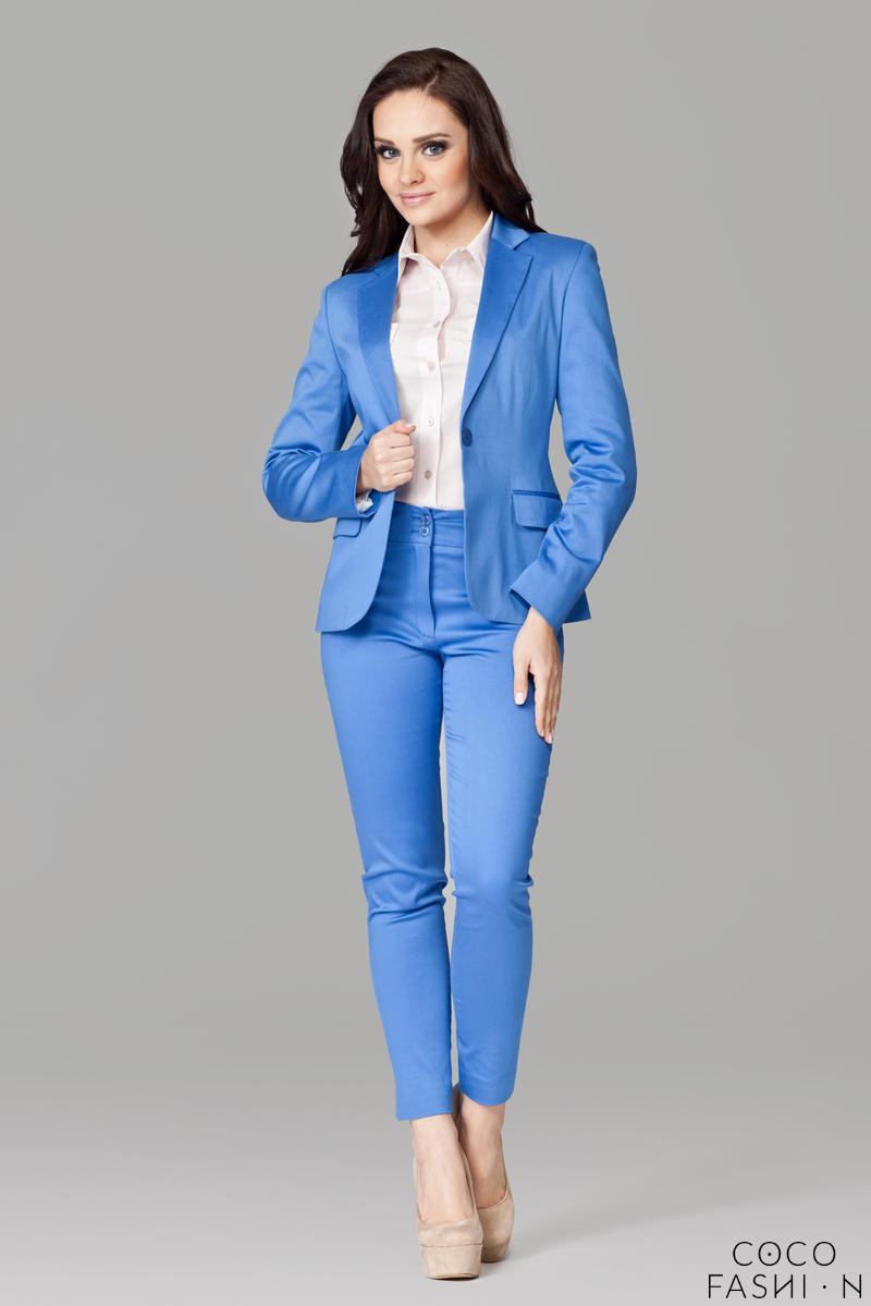 petite-peak-blue-collar-blazer-with-single-button-fastening