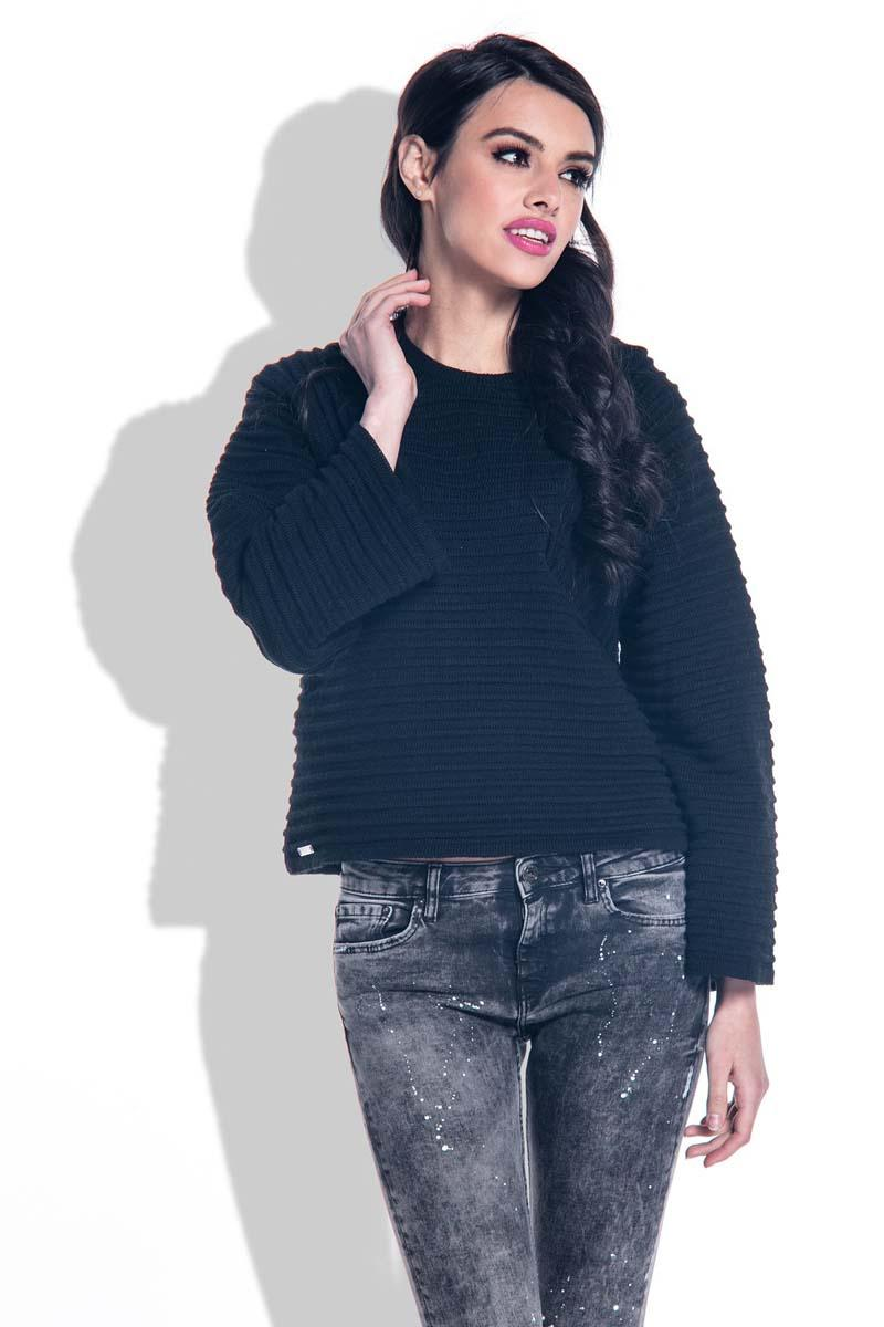 Black Short Sweater with Wide Sleeves