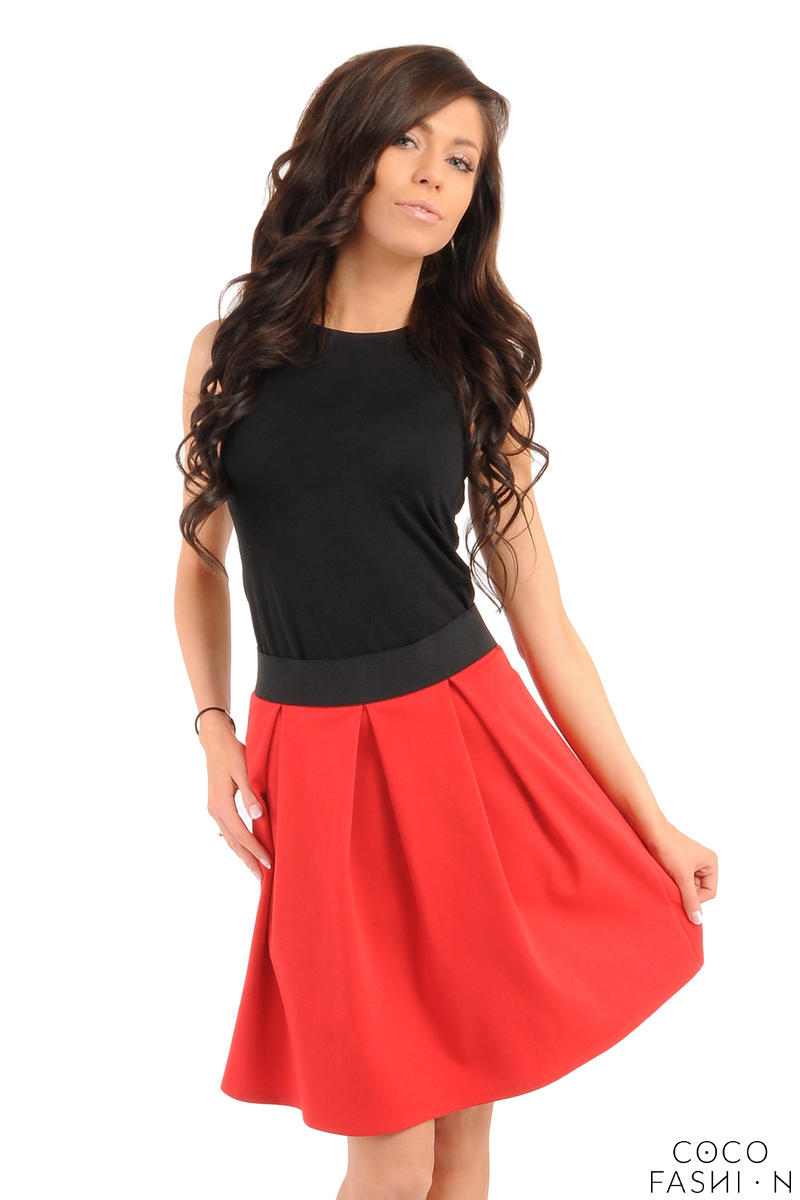 deep-pleat-short-red-skirt