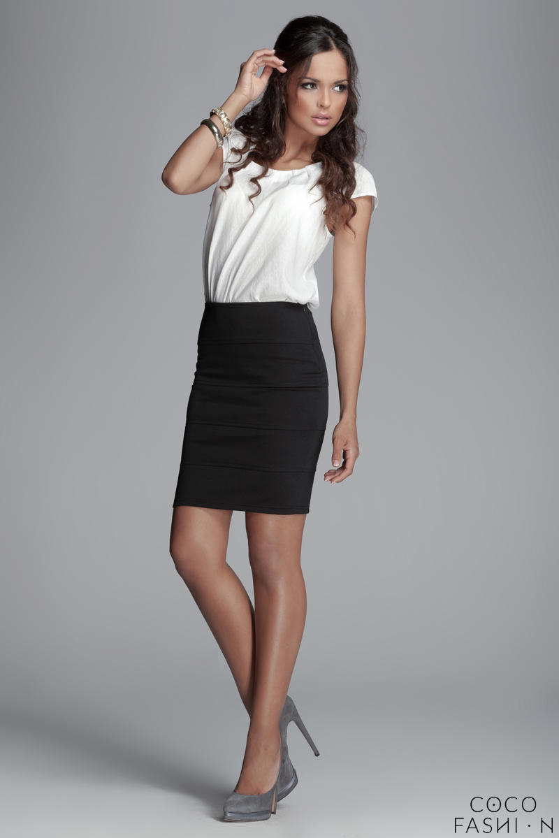 Horizantal Seam Short Pencil Black Skirt