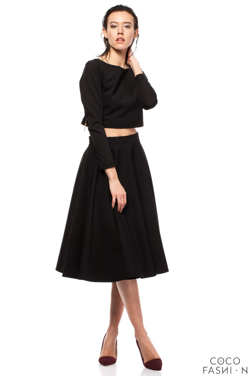 Black Pleated Midi Skirt with Back Zipper Fastening