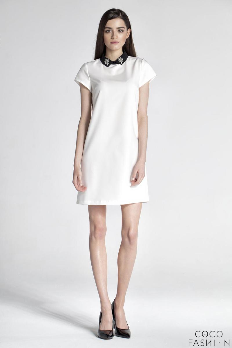 Cream Simple Dress with Contrasting Collar