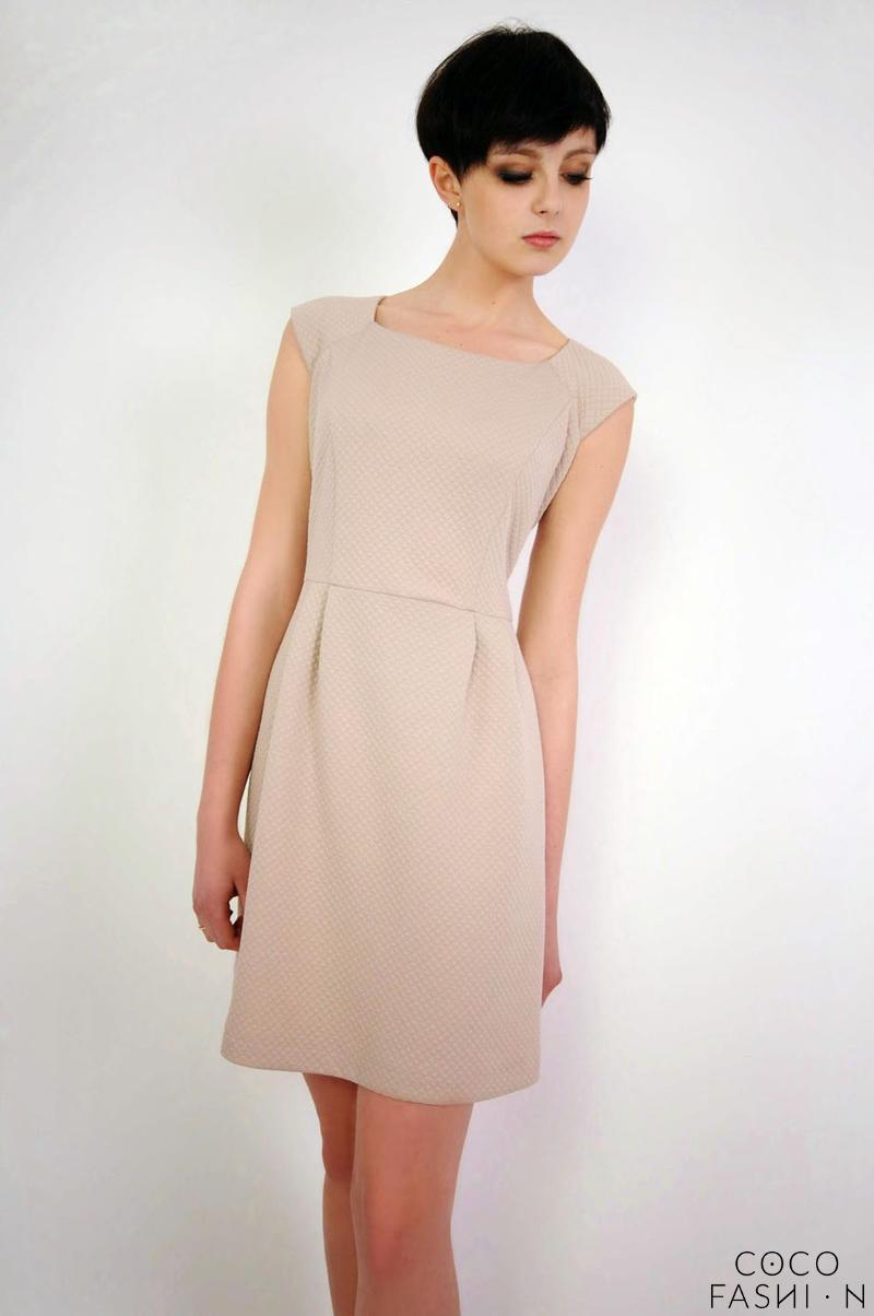 Beige Caro Neckline Patterned Mini Dress от cocofashion
