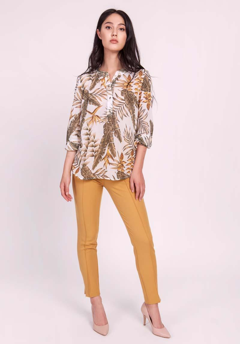 Ecru Chiffon Blouse with Leaves Fastened with Latch