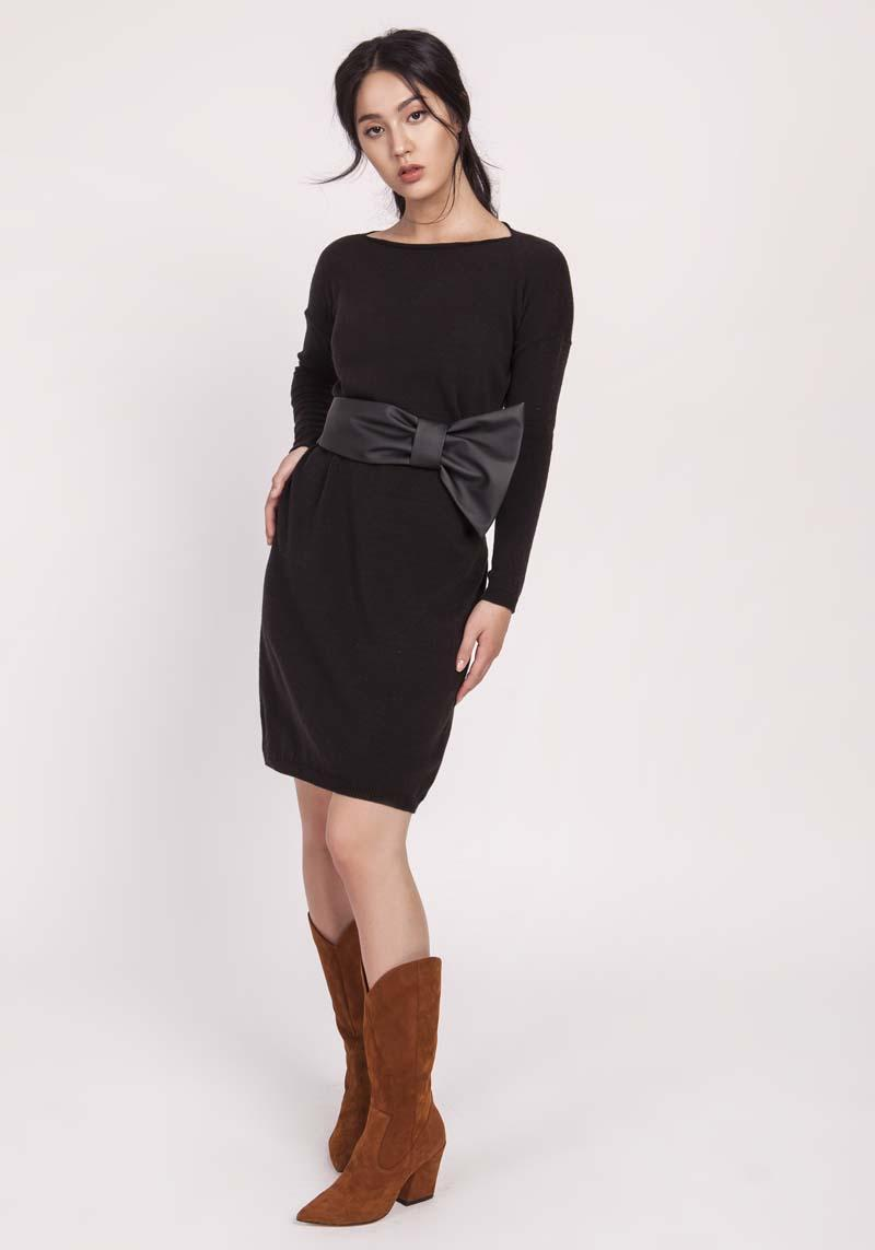 Black Simple Knitted Dress