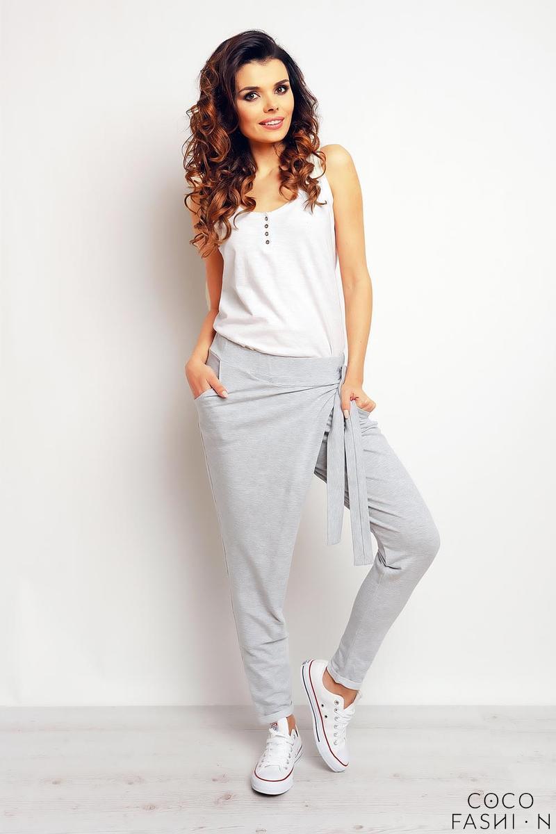 grey-street-style-baggy-pants