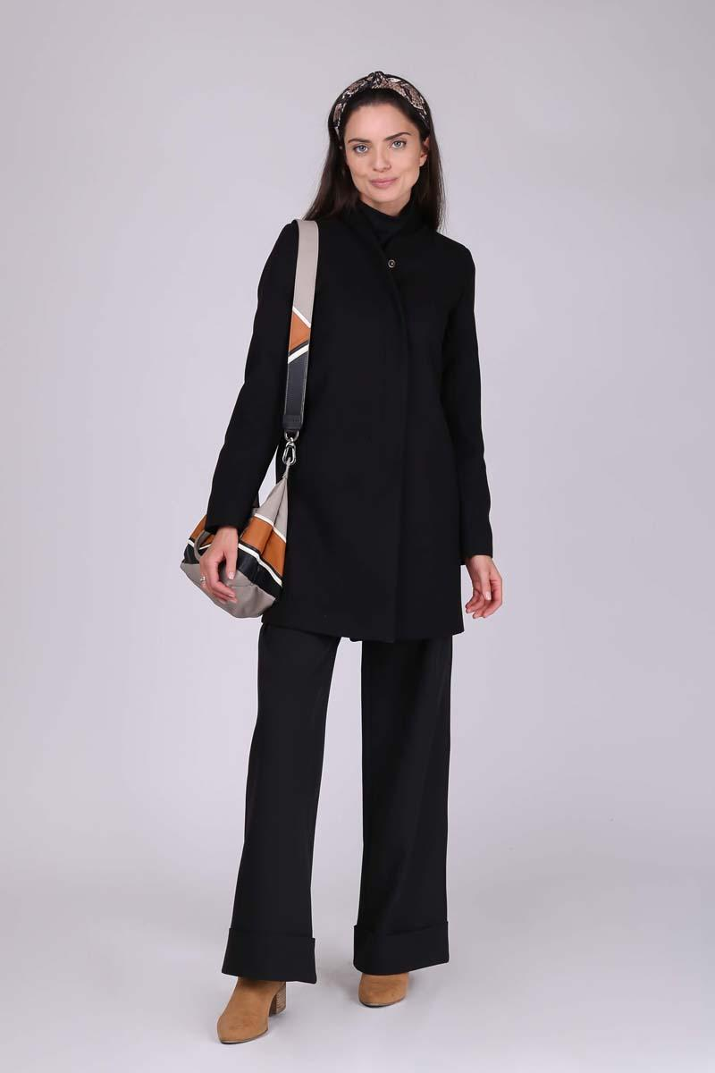 Short Wool Coat on Stand-up Collar