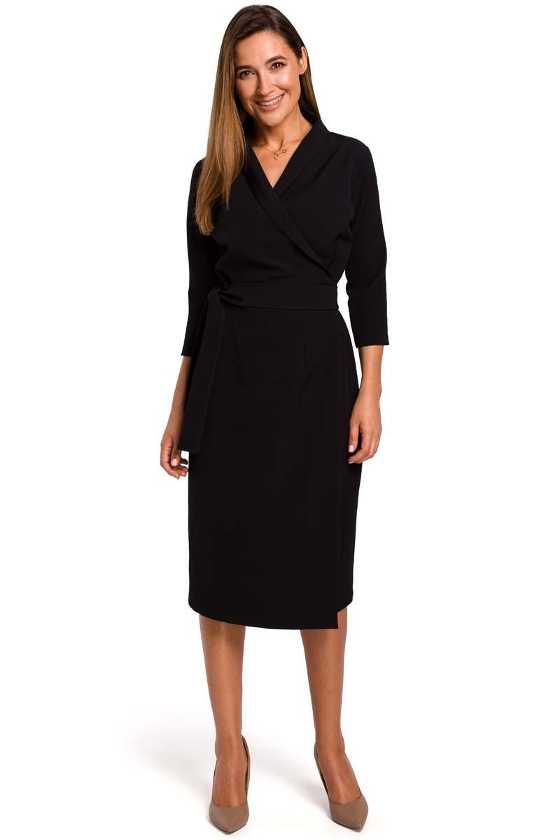Black Fitted Envelope Dress Fied on the Side