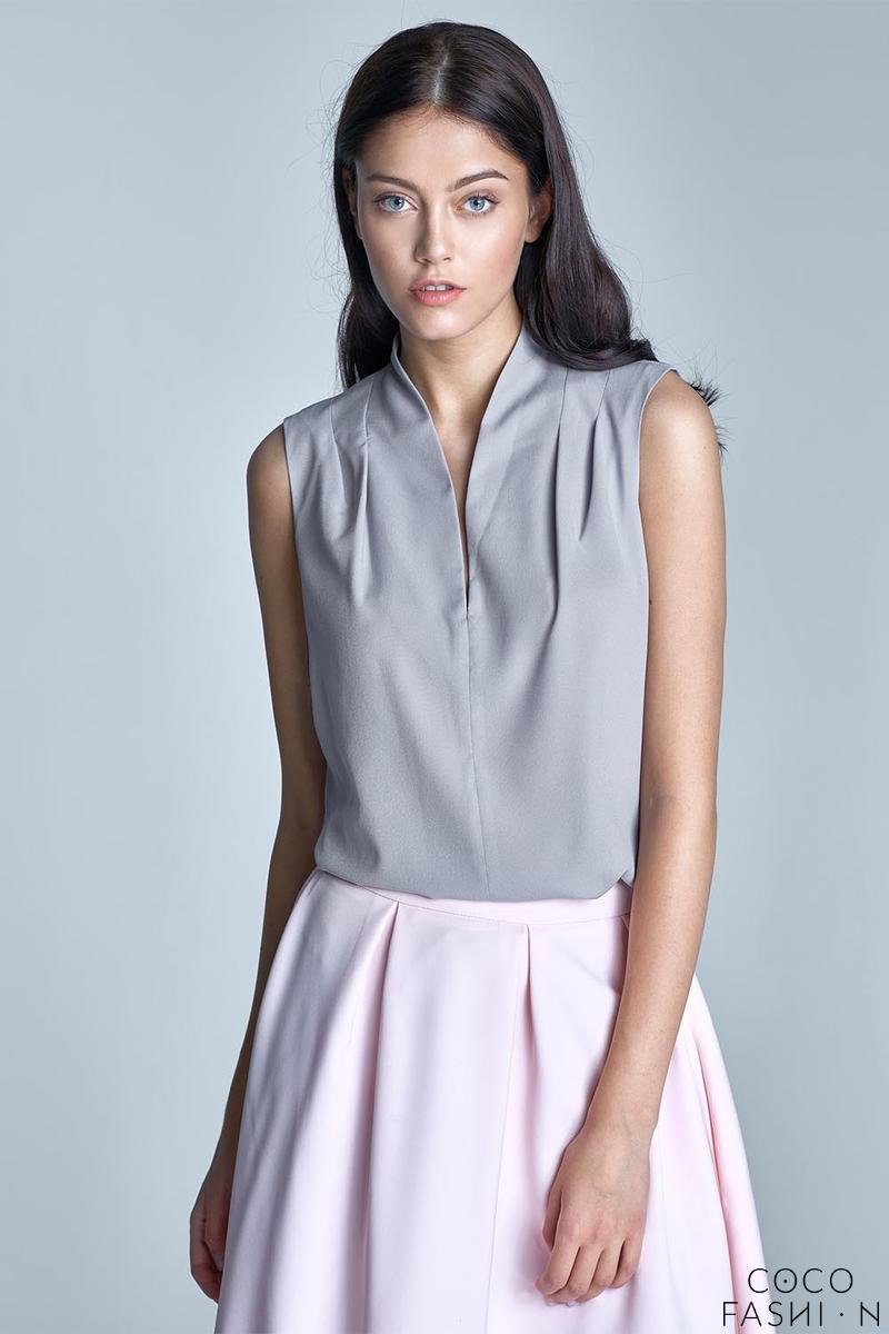 Grey Sleeveless Stand-up Collar Wrinkled Blouse