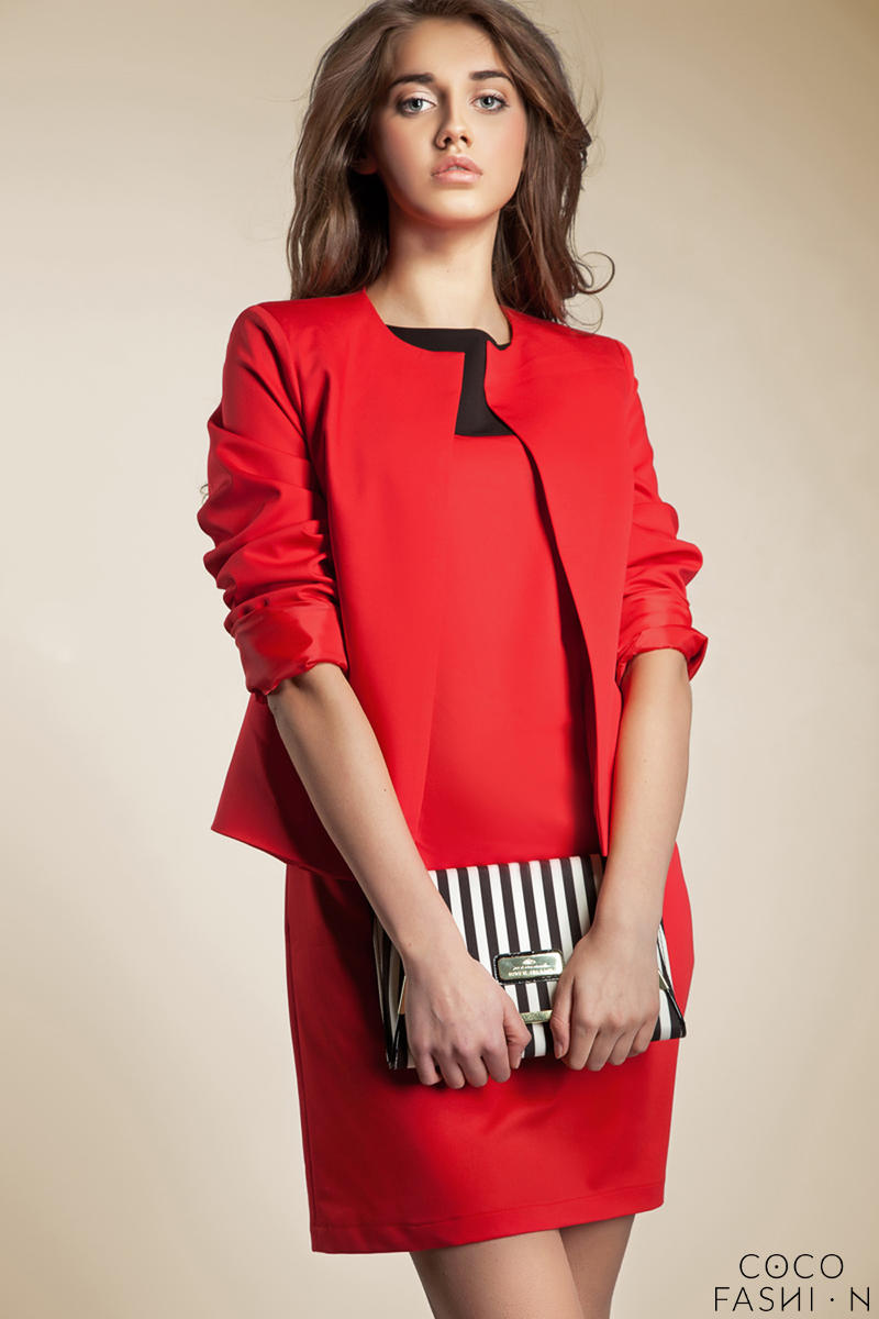 red-front-open-jacket-with-34-sleeves