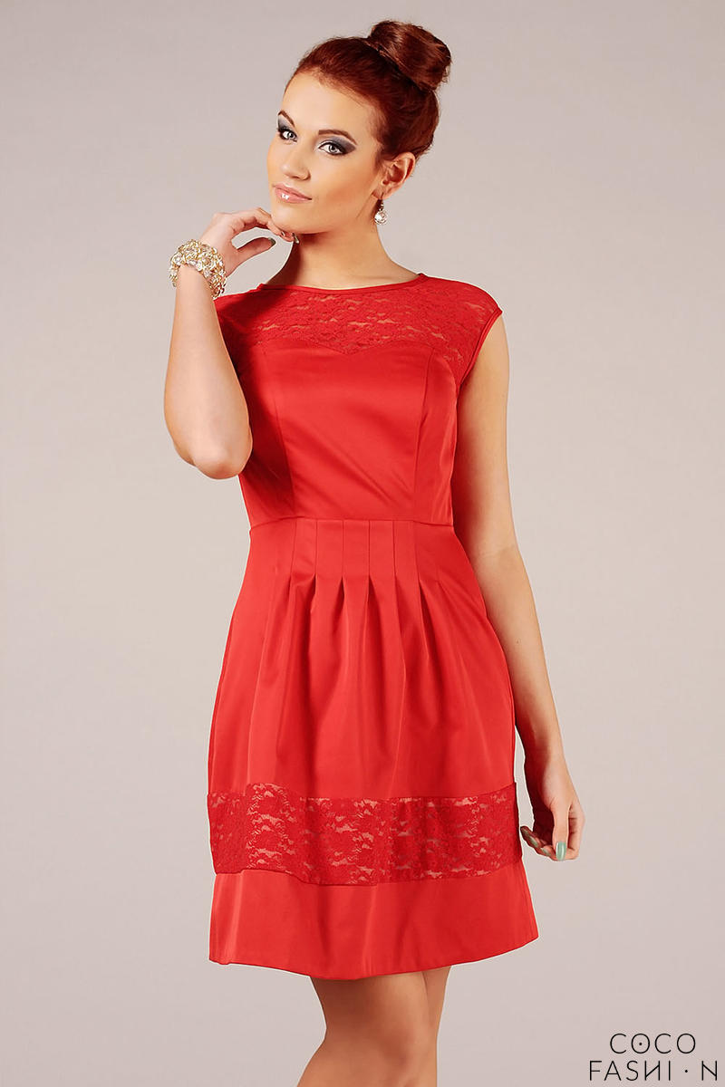 Red Sleeveless Coctail Dress with Lace Details
