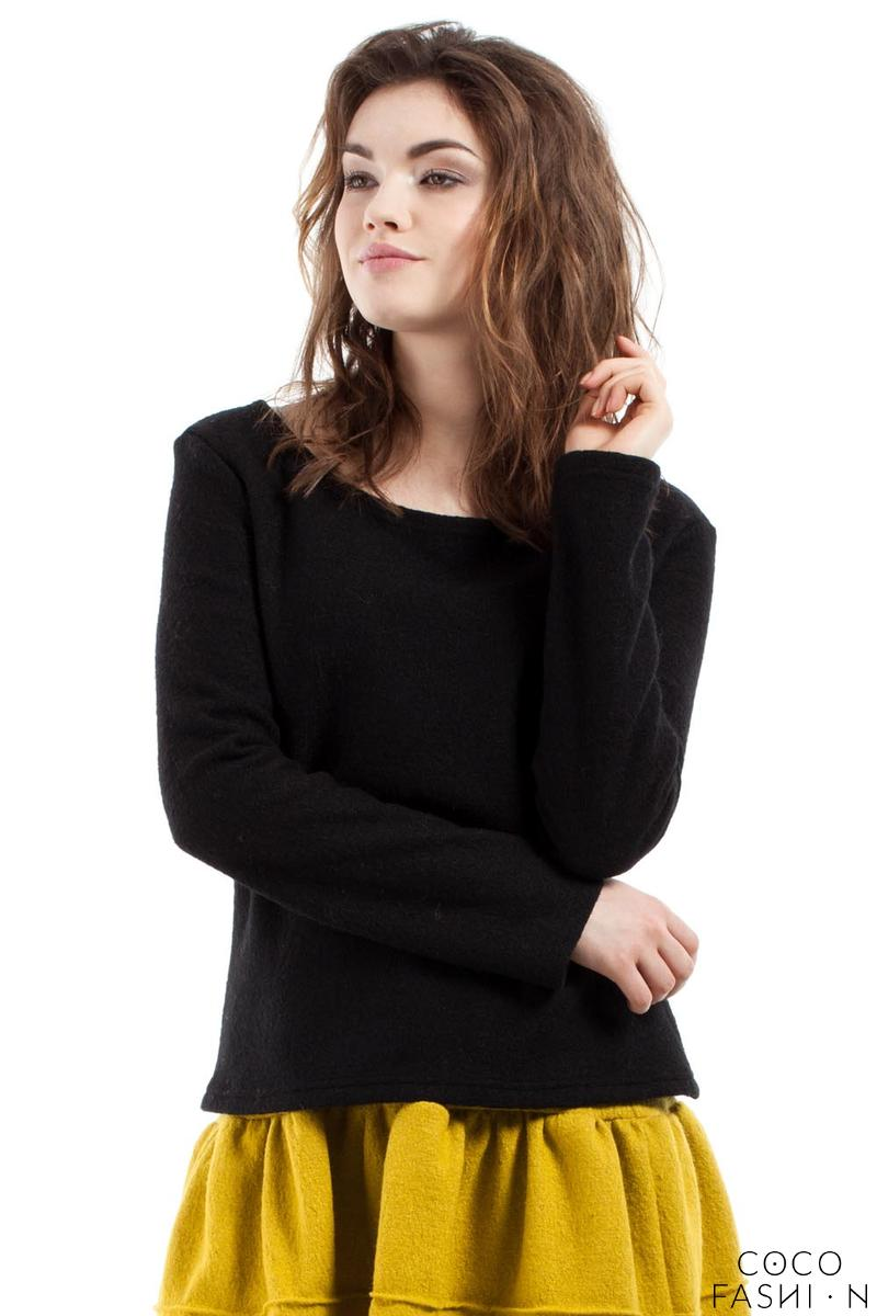 Black Scoop Neckline Long Sleeved Blouse