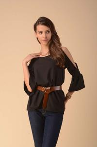 Blouse with a slit on the sleeves - black