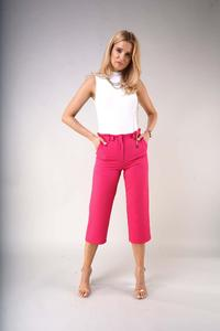 Elegant knee-length trousers with a straight leg - Dark Pink