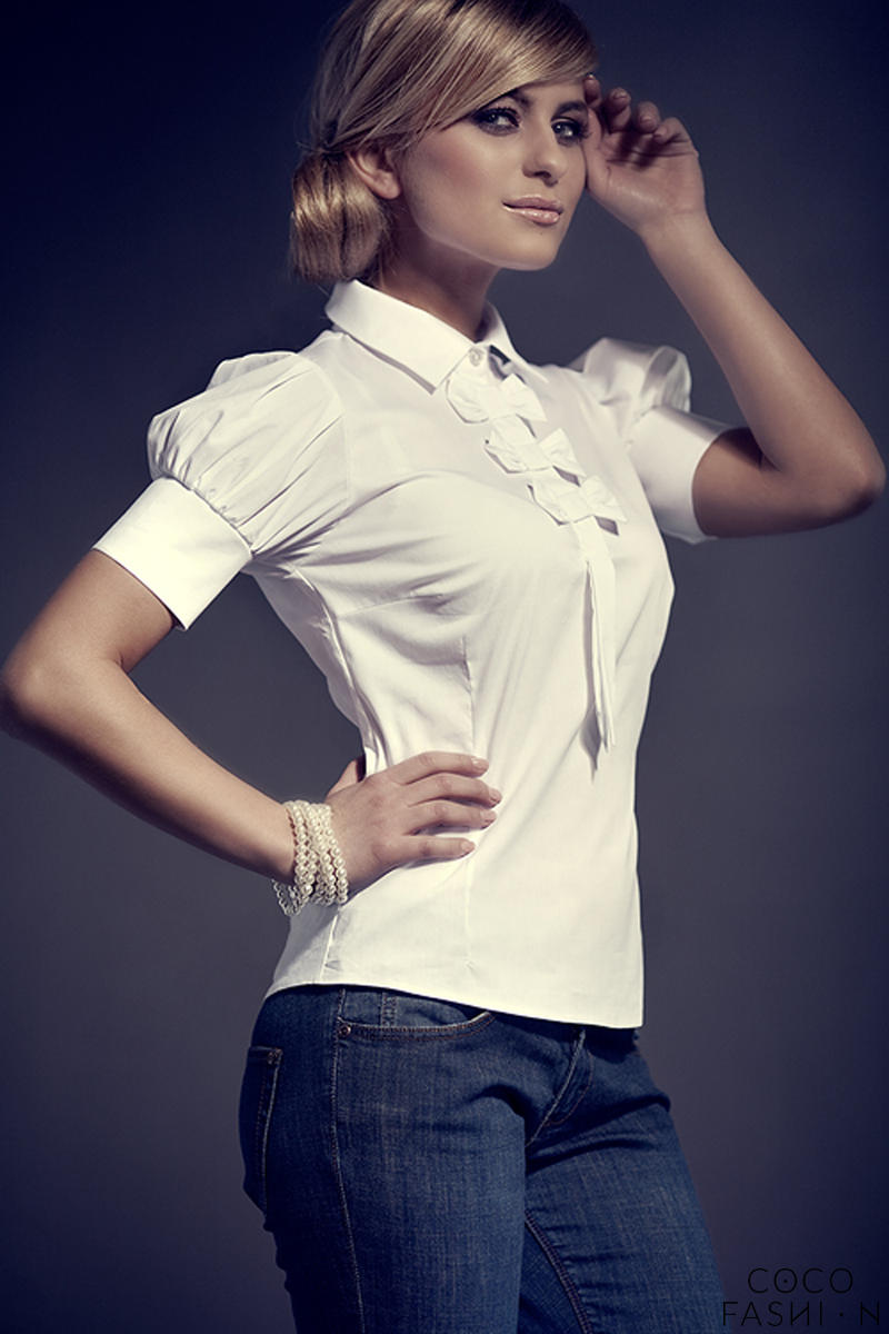 Off White Collared Blouse with Bow Details and Pleated Cap Sleeves